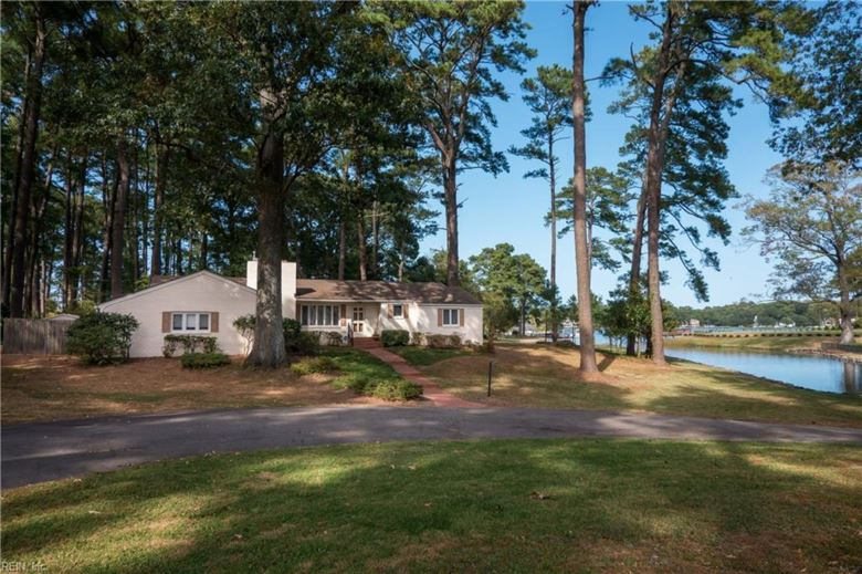 1000 Curlew DR, Virginia Beach, VA 23451