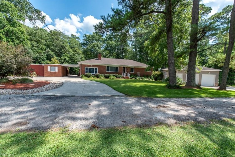 24076 Thomas LN, Isle of Wight County, VA 23314