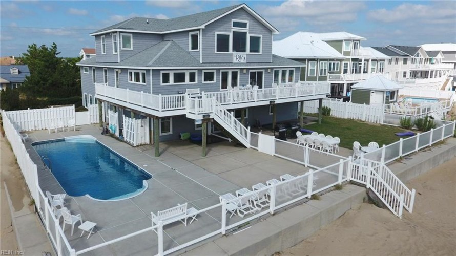 2756 Sandfiddler RD, Virginia Beach, VA 23456