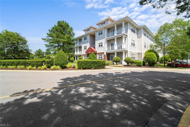 5212 Nuthall DR #304, Virginia Beach, VA 23455