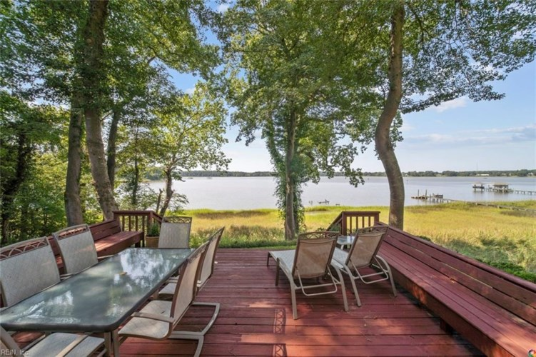 217 Moonefield DR, Isle of Wight County, VA 23430