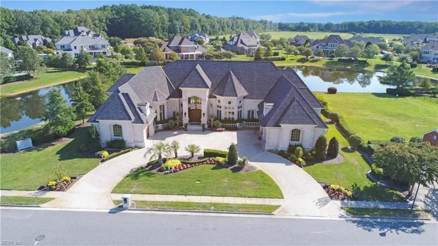 324 Scone Castle LOOP, Chesapeake, VA 23322