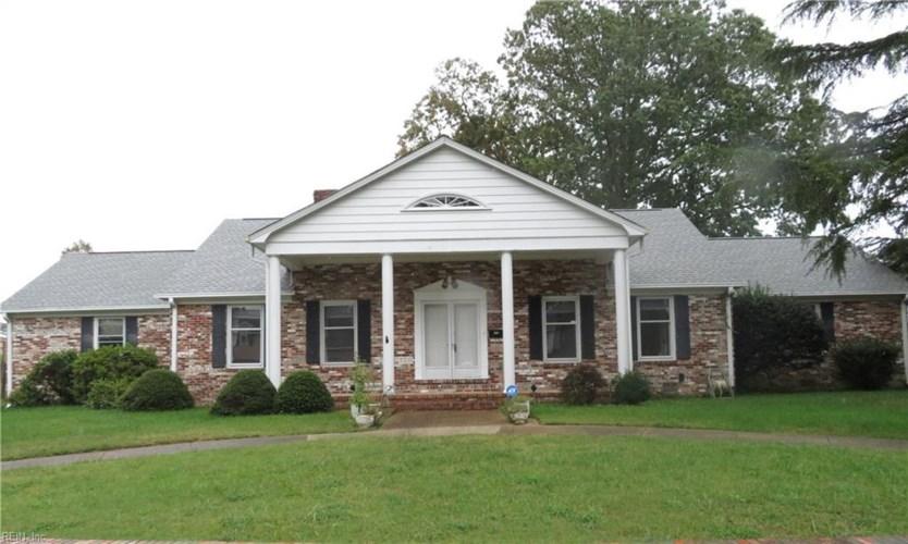 1750 Carriage DR, Hampton, VA 23664