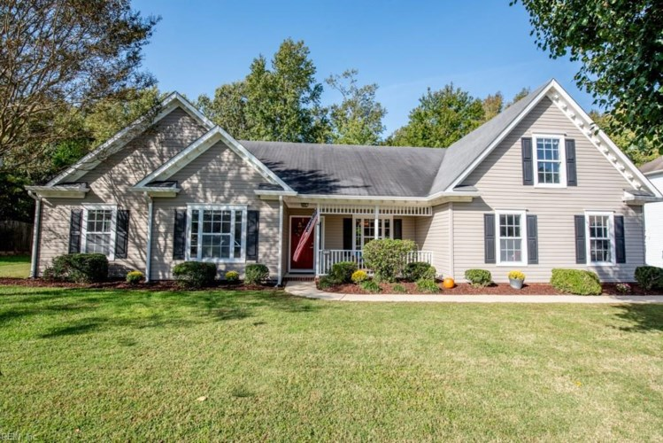 438 Chandler DR, Chesapeake, VA 23322