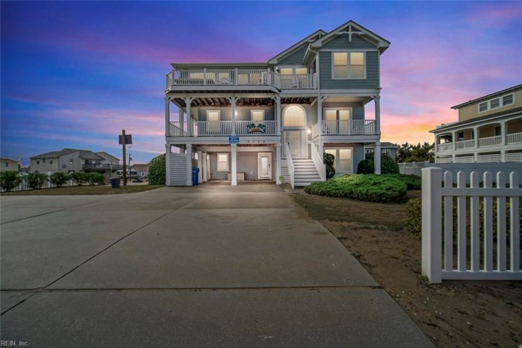 3033 Sandfiddler RD, Virginia Beach, VA 23456
