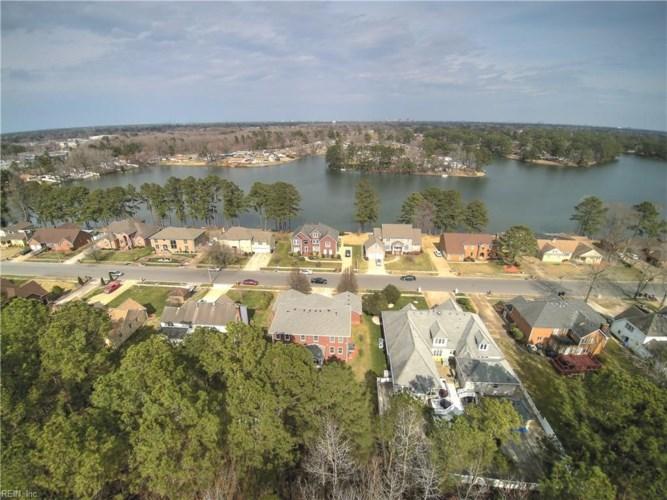 1557 Crystal Lake DR, Portsmouth, VA 23701