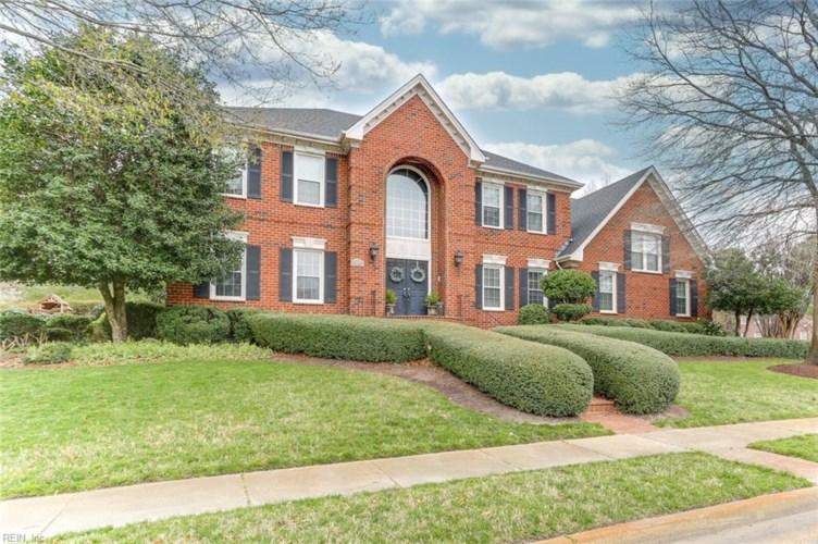 1142 Masters ROW, Chesapeake, VA 23320