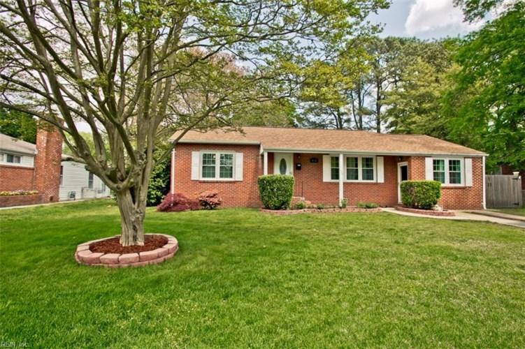 132 Woods RD, Newport News, VA 23601