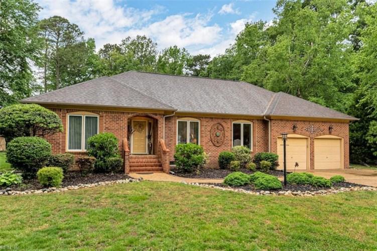 516 Twelve Oaks CT, Chesapeake, VA 23322