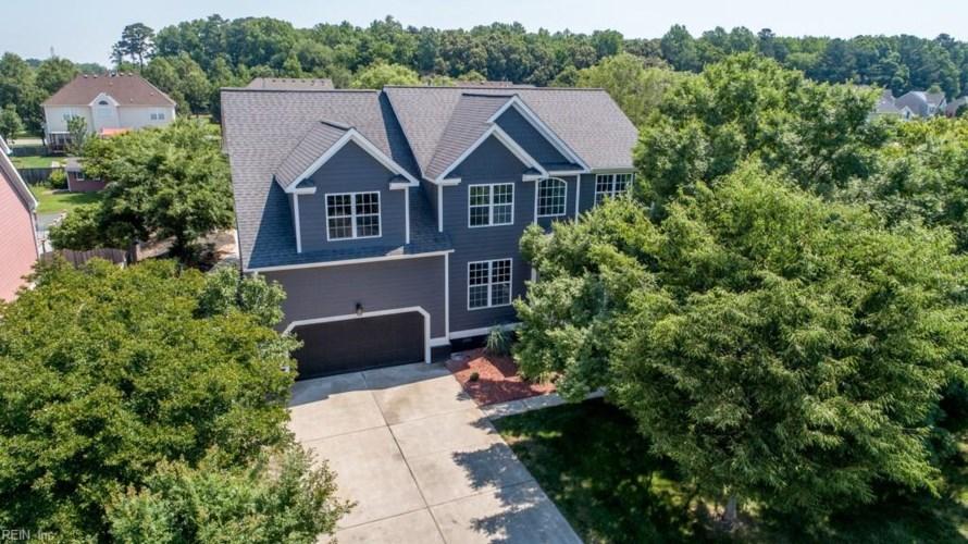 1231 Spruce LN, Chesapeake, VA 23320