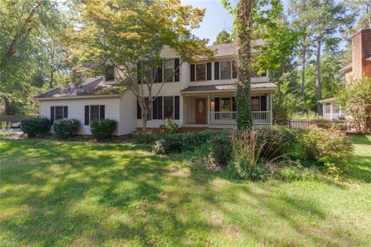 942 Forest Lakes DR, Chesapeake, VA 23322
