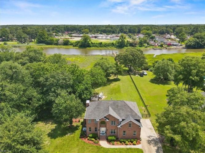 1472 Pine Grove LN, Chesapeake, VA 23321