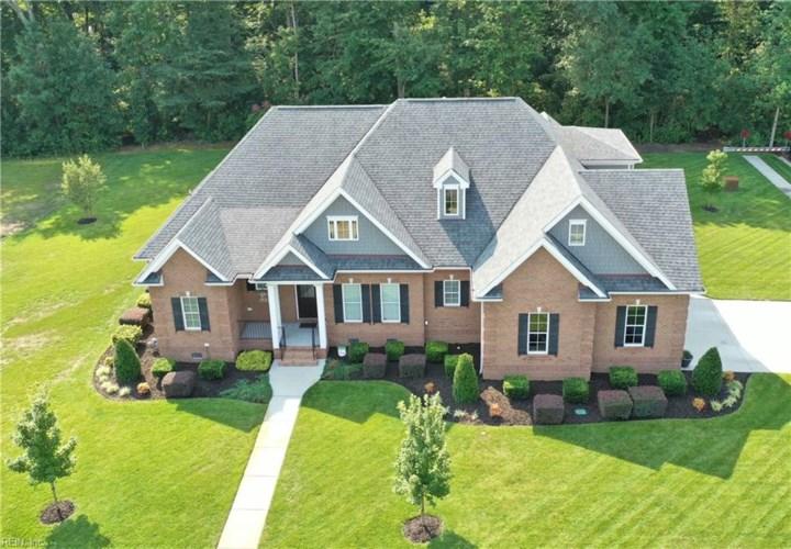 301 Scone Castle LOOP, Chesapeake, VA 23322