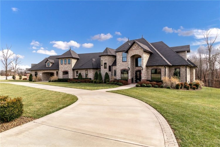 3350 Oak Tree Drive, Centerton, AR 72719