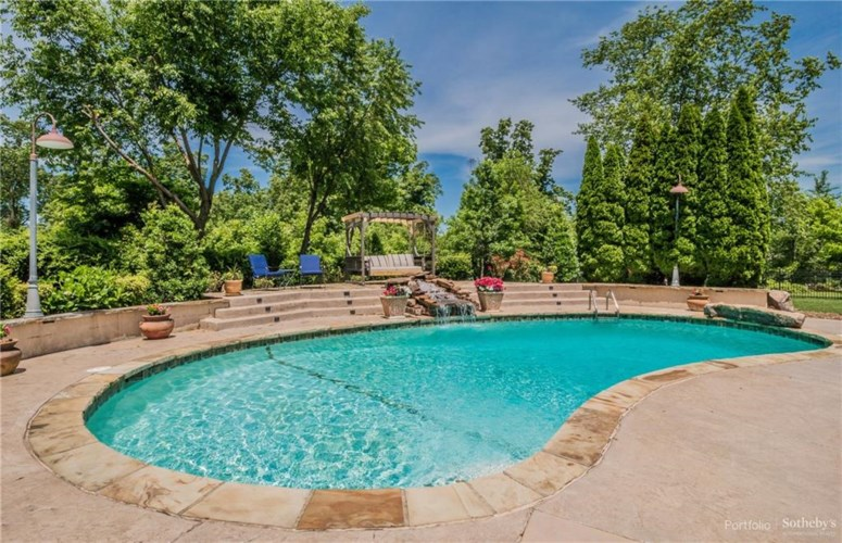 6 S Newhaven Court, Rogers, AR 72758