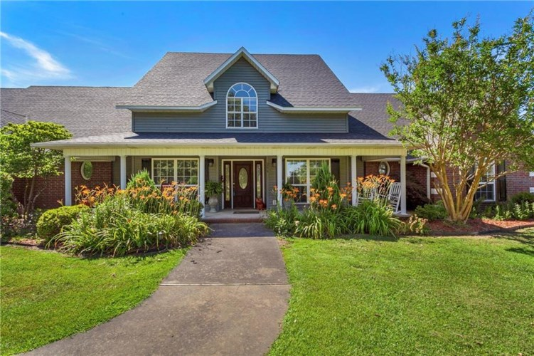 206 W Holt Road, Lincoln, AR 72744