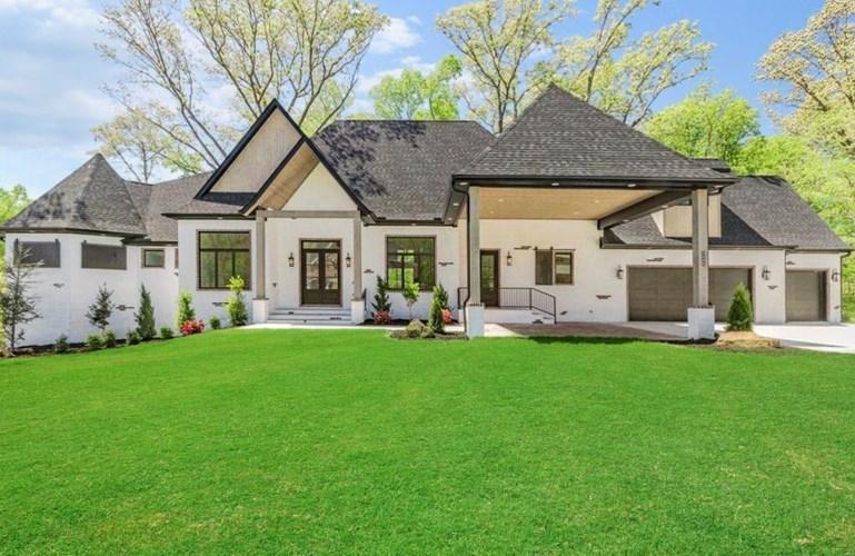 3600 Oak Tree Drive, Centerton, AR 72719
