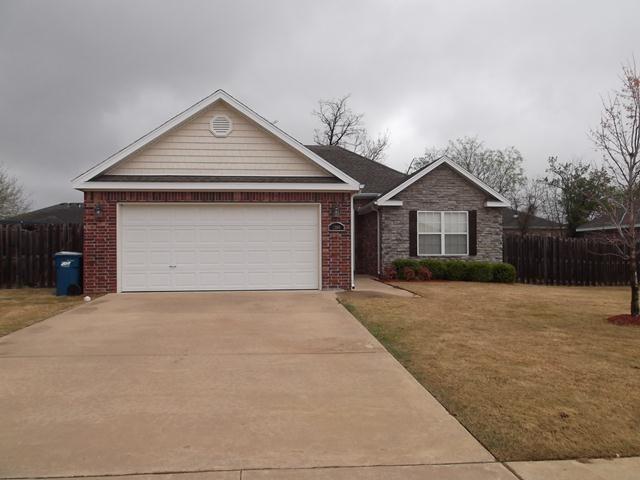 2306 SW Huntwick Avenue, Bentonville, AR 72712