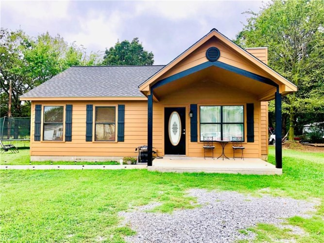329 Orchard Drive, Gentry, AR 72734