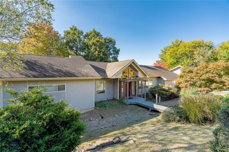 1055 E Rodgers Drive, Fayetteville, AR 72701