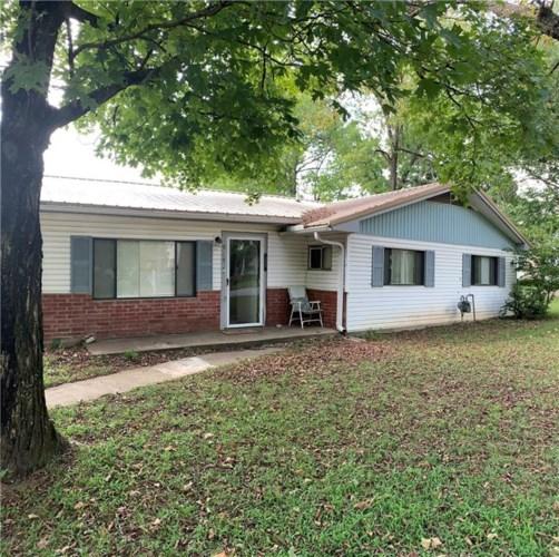 915 S Hill Avenue, Fayetteville, AR 72701