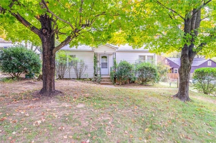872 N Olive Avenue, Fayetteville, AR 72701