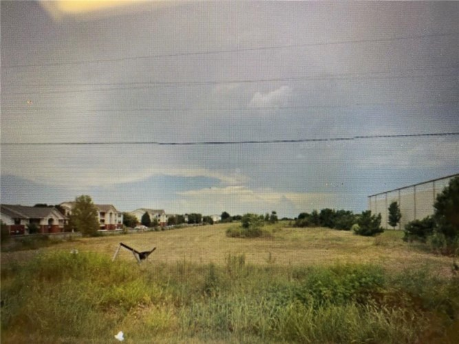 N Oak Street, Springdale, AR 72764