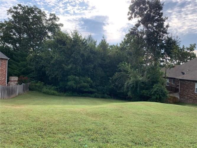 1404 NE Bluff Springs, Bentonville, AR 72712