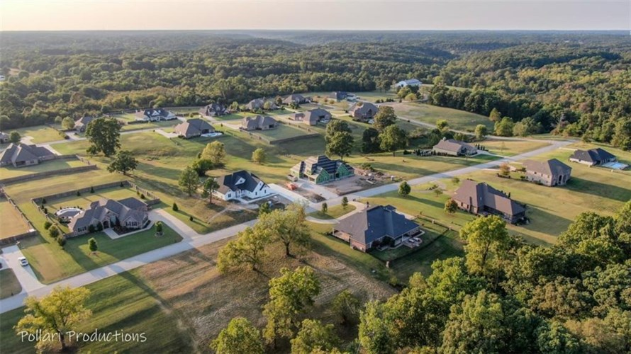4105 Rolling Meadows Drive, Rogers, AR 72756