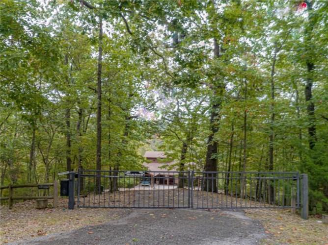 359 Lake Forest Drive, Eureka Springs, AR 72631