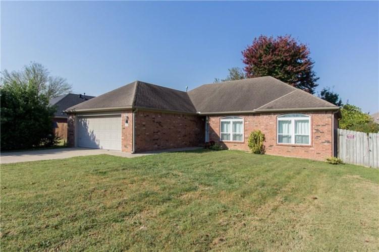 1429 S Deerfield Way, Fayetteville, AR 72701