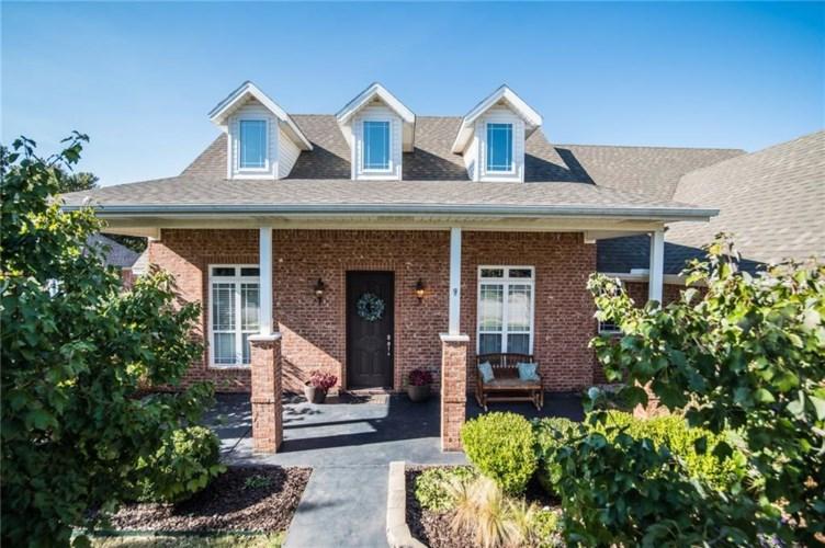 3852 W Edgewater Drive, Fayetteville, AR 72704