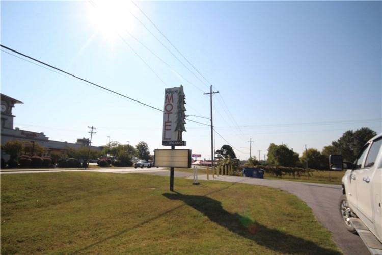 3400 S Walton Boulevard, Bentonville, AR 72712