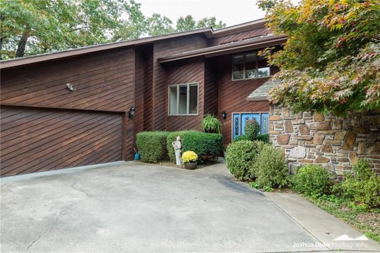 1102 Overlook Drive, Rogers, AR 72756
