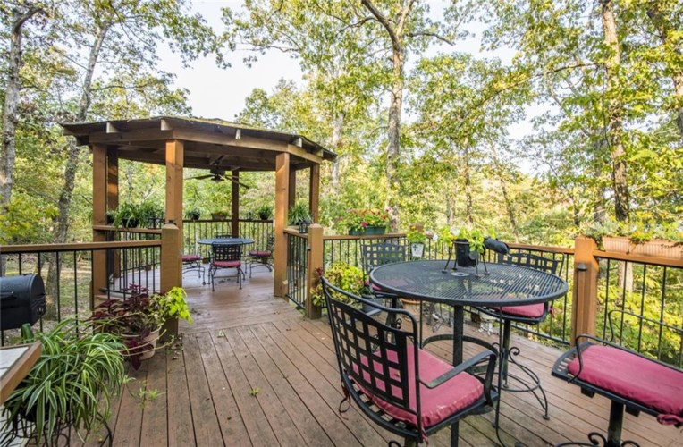 19156 Pinecrest Trail, Rogers, AR 72756