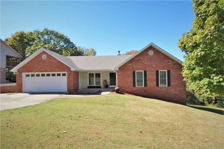 1659 N Forest Heights, Fayetteville, AR 72703
