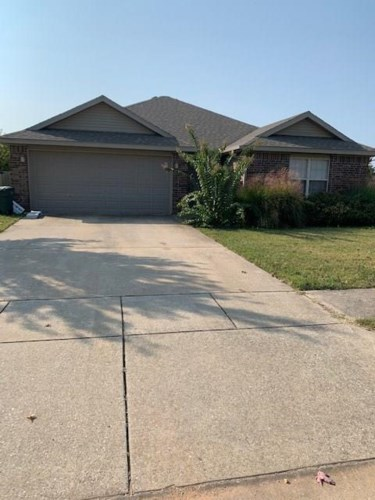4057 Spring House Drive, Fayetteville, AR 72704