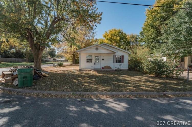 520 S Cleveland Street, Springdale, AR 72764