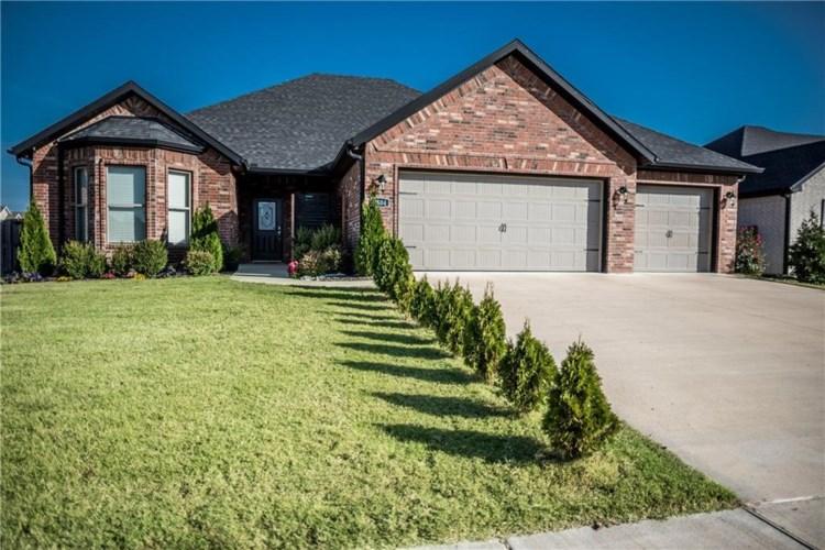 2504 SW Worthington Avenue, Bentonville, AR 72713