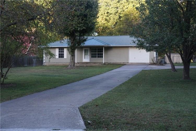 22828 SW Raymond Street, Springdale, AR 72764