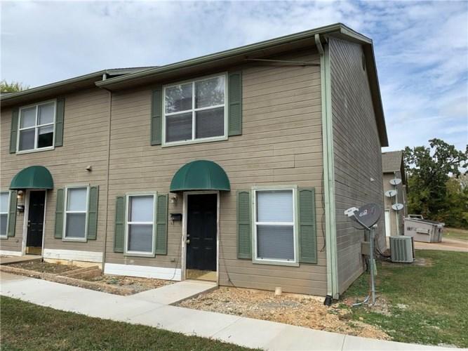 950 W Eagle Street, Fayetteville, AR 72701