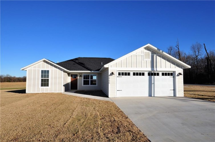 12796 Taylor Orchard Road, Gentry, AR 72734