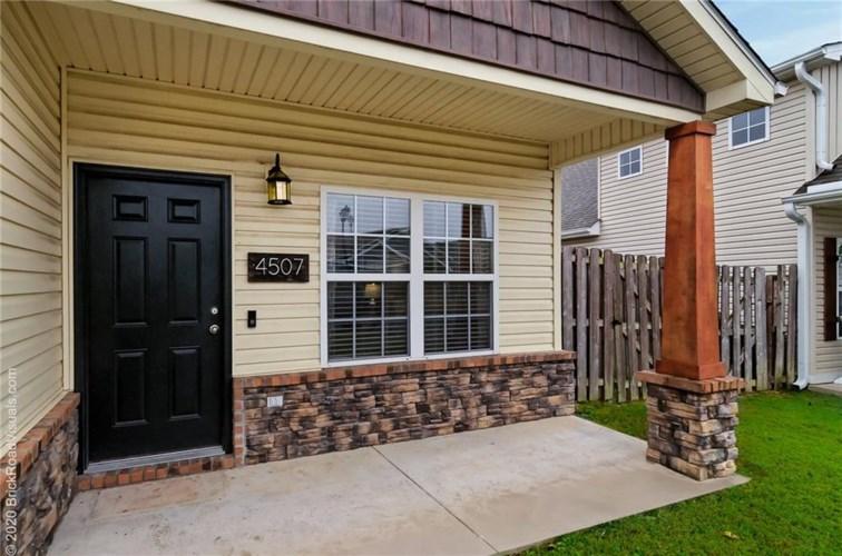 4507 Sweetgum Lane, Fayetteville, AR 72704