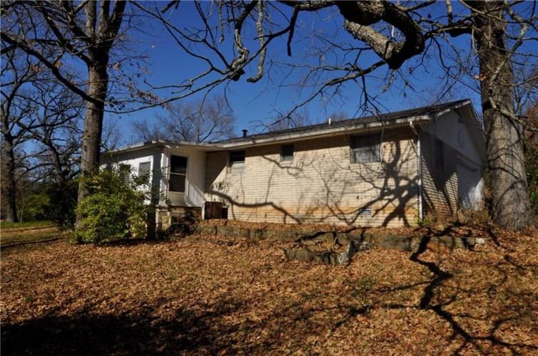 3050 E Wyman Road, Fayetteville, AR 72701