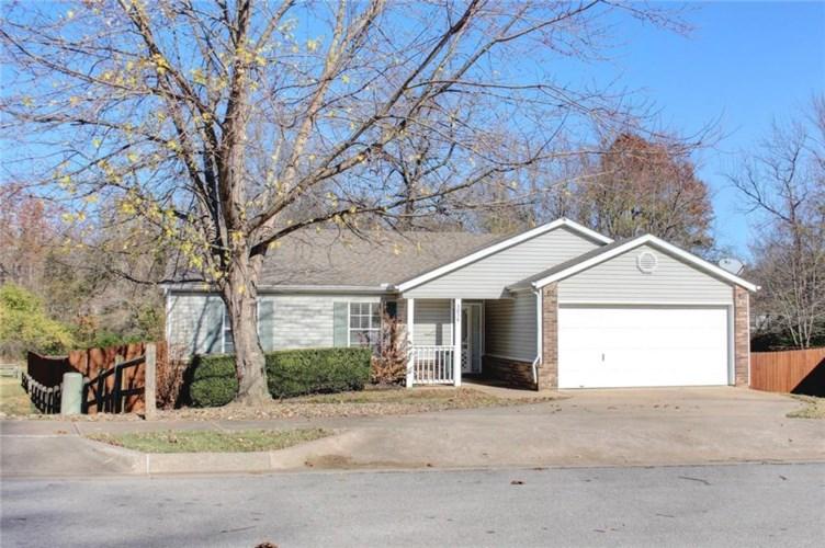 3058 W Woodridge Drive, Fayetteville, AR 72704