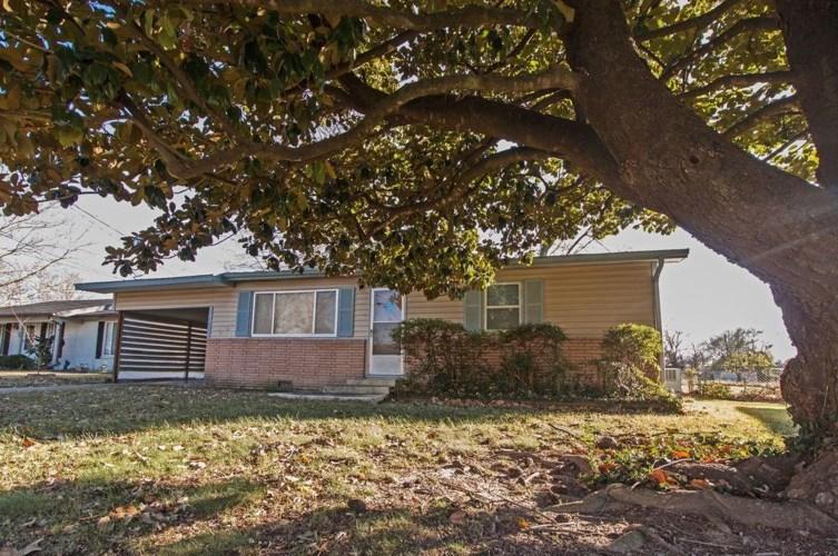 106 Roselawn Drive, Rogers, AR 72756