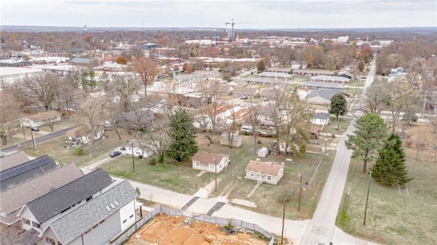 207 SE 7th Street, Bentonville, AR 72712