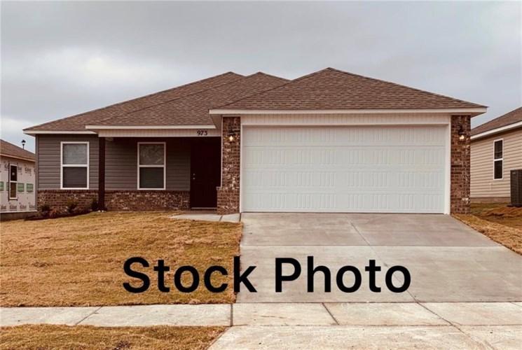 957 S Kingfisher Lane, Fayetteville, AR 72701