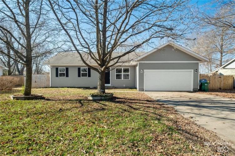 129 Township Drive, Centerton, AR 72719
