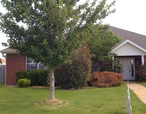 708 N Meadowlands Drive, Fayetteville, AR 72704